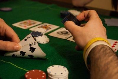 Майстор! Българин удари близо 190 000 долара от покер!