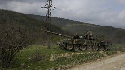 Военно положение в Азербайджан (СНИМКИ)