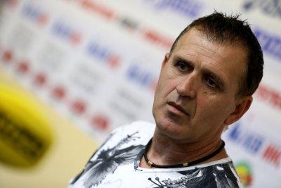 Акрапович подиграва играч на проби: Беше с 2 кг наднормено само от бузи
