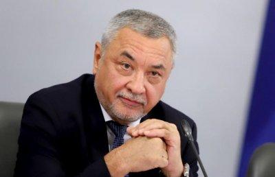 Валери Симеонов обяснява нагледно на Виктор Николаев дали би се коалирал с Цв. Цв.