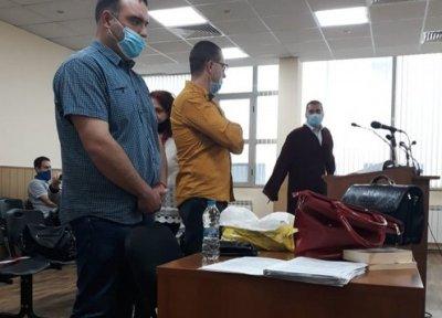 Инспектор от БАБХ призна през зъби, че са му дали подкуп