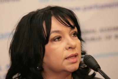 Петкова: Коронавирусът забави избора на инвеститор за Белене