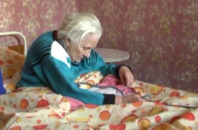 Зов за помощ! Да помогнем на изоставената баба Денка