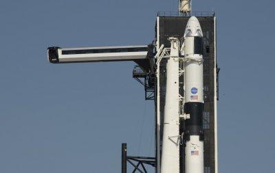 """НАСА отложи изстрелването на """"Дракон"""" за ноември"""