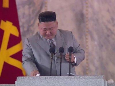 Ким Чен-ун се разплака пред севернокорейците