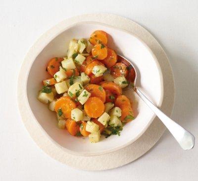 Лимонова салата с моркови и целина