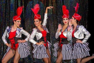 Циркови артисти превземат Музикалния театър