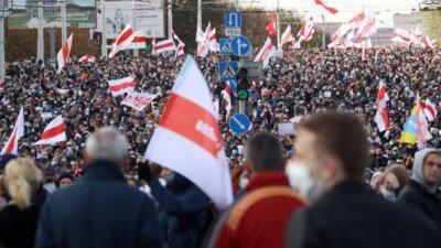 Задържаха над 200 протестиращи в Беларус