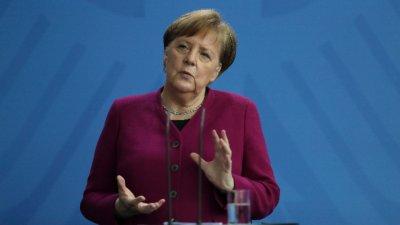 Меркел: Стойте си у дома