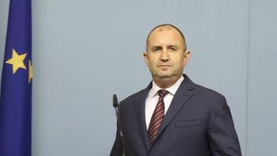 КС пусна питането на Радев за комисията за Конституцията
