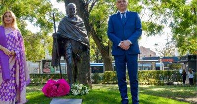Варна получи статуя на Махатма Ганди като подарък от Индия
