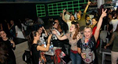 Сливен не издържа – отвори баровете
