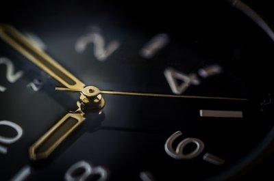 Физик отсече: На България ѝ трябва зимният час