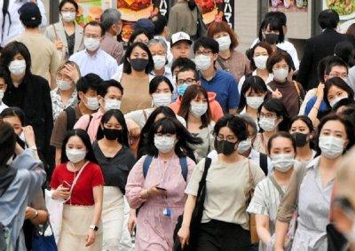 Японско изследване: Маските блокират коронавируса, но не напълно