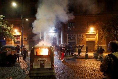 Бунтари рушат Неапол заради Covid мерките