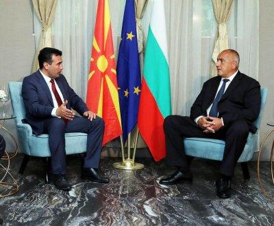 Заев идва в София по покана на Борисов