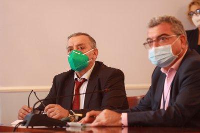 Проф. Кантарджиев: Водата за уста и содата убиват вирусите