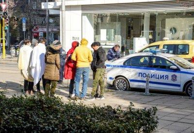 """Полицията провери мигранти край джамията """"Баня баши"""""""