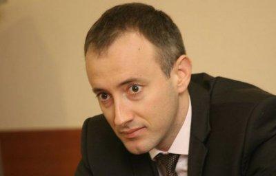 Вълчев: Няма да затваряме училищата за дълго
