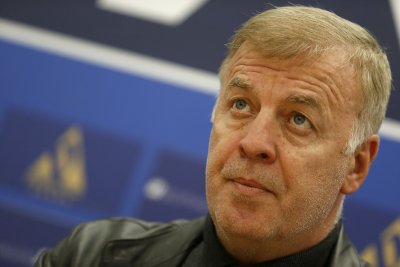 Сираков избира еднолично новия треньор