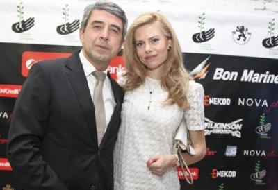 Блондинката проговори: Радев не е обединител