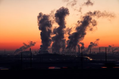 Още паника: Мръсният въздух носи вируса