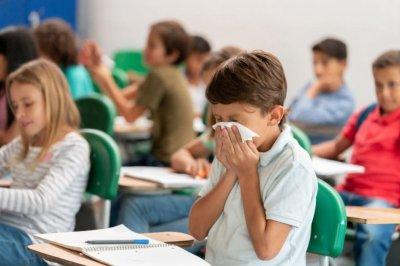 Малките ученици минават онлайн с молба