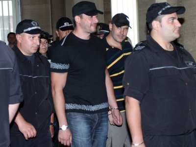 8 души от бандата на чуковете осъдени на затвор