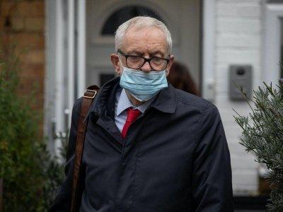 Лейбъристите отстраниха бившия си лидер Корбин