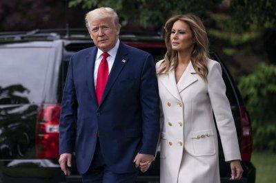 Доналд и Мелания Тръмп отбелязаха Хелоуин в Белия дом