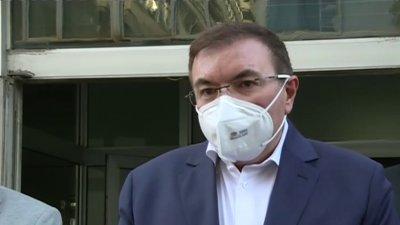 """""""Пак негативен"""", похвали се във Фейсбук здравният министър"""