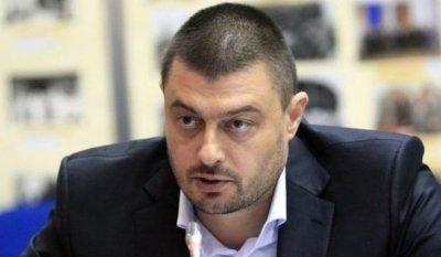 Бареков пребори вируса с вино и спорт, ще дарява плазма