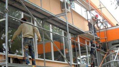 Санират 12 жилищни блока в Смолян