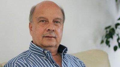 Депутатът от ГЕРБ и бивш конституционен съдия Георги Марков настоява такъв член да влезе в Конституцията
