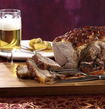Бирено свинско с картофи, канела и майорана