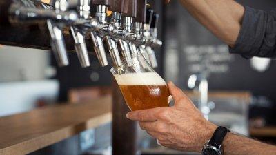 Ларж: 3000 долара бакшиш за бира на стойност $7,02