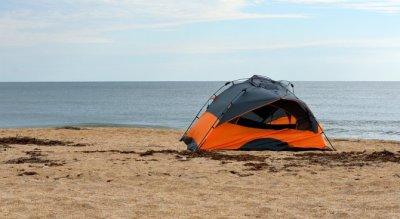 Няма да глобяват за палатки на плажа в Царево, ВАС отмени наредбата