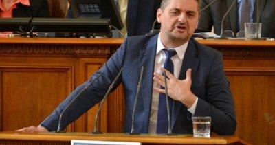 Кирил Добрев наглее: Щом Бойко прави чистка, значи резултатът ни е добър