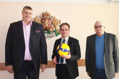 Лъчезар Борисов прие Любо Ганев, ще опита да помогне на волейбола