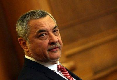 Валери Симеонов пак се гаври с депутати