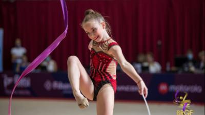 Стиляна Николова стана европейска шампионка по художествена гимнастика