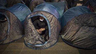 Френски кораб спаси 45 мигранти от Ламанша