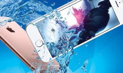 Глобиха Apple за подвеждане на потребителите за водоустойчивостта на iPhone