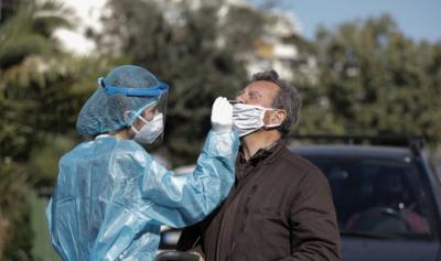 Намаляват заразените с Covid-19 в Гърция
