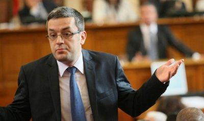 Биков: Не знам защо Ревизоро не си подаде сам оставката