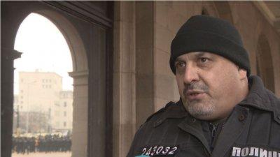 Полицаи спасиха жена с коронавирус
