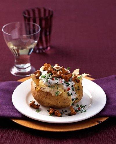 Печени картофи с рикота (извара) и гъби