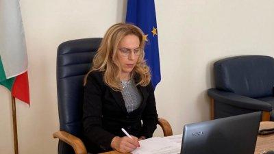 Тристранката обсъди мерките срещу COVID кризата