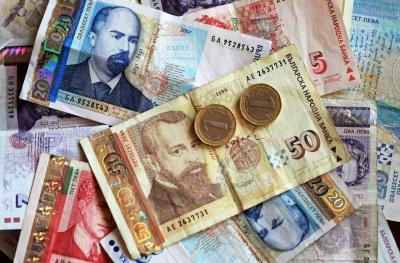 Липси: По една на всеки три месечни осигуровки се губи в таксите на фондовете