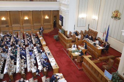 Депутатите обсъждат нулевата ДДС ставка на COVID-ваксините